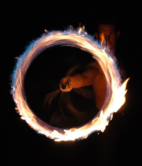 tom-veith-fire-entertainer
